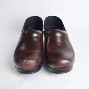 Dansko Womens 39 / 8.5 Brown Leather Clogs